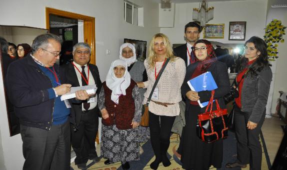 Bursagaz Sobadan Zehirlenen Aileleri Ziyaret Etti
