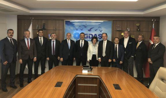 DOSİDER Yönetim Kurulu, İGDAŞ Genel Müdürü Özmen'i Ziyaret Etti